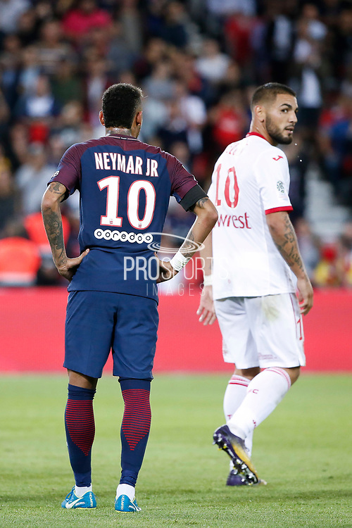 Neymar da Silva Santos Junior - Neymar Jr (PSG) and Andy DELORT (Toulouse Football Club) during the French championship L1 football match between Paris Saint-Germain (PSG) and Toulouse Football Club, on August 20, 2017, at Parc des Princes, in Paris, France - Photo Stephane Allaman / ProSportsImages / DPPI