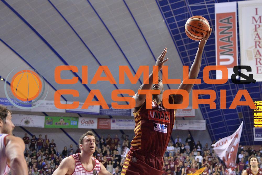 Melvin Ejim<br /> Venezia 05 Marzo 2017 -<br /> Campionato Basket Lega A <br /> Umana Reyer Venezia vs Consultinvest Pesaro<br /> Foto Ciamillo/Michele Gregolin