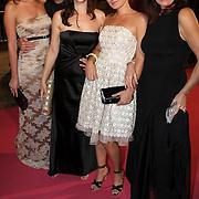 NLD/Amsterdam/20080929 - Pink Ribbon gala 2008, Kim Pieters, Hector Heraldo Hallardo, Liz Snoyink, Peggy Vrijens en Miryanna van Reeden