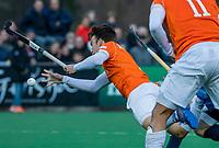BLOEMENDAAL - Yannick van der Drift (Bldaal) tijdens de competitie hoofdklasse hockeywedstrijd heren, Bloemendaal-Pinoke (3-2)   COPYRIGHT KOEN SUYK