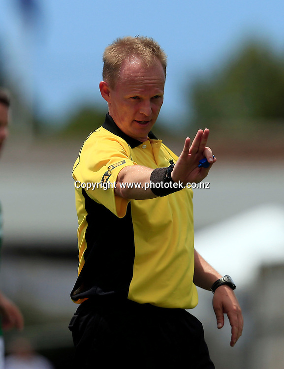 Referee Mark Hester had a busy day at the office. ASB Premiership, Round Ten, Waitakere United v Youngheart Manawatu, Fred Taylor Park Whenuapai, Saturday 26th January 2013. Photo: Shane Wenzlick