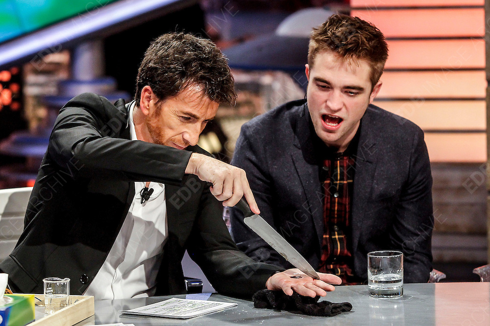 15.NOVEMBER.2012. LONDON<br /> <br /> THE TWILIGHT CAST ON THE EL HORMIGUERO TV SHOW IN MADRID<br /> <br /> BYLINE: EDBIMAGEARCHIVE.CO.UK<br /> <br /> *THIS IMAGE IS STRICTLY FOR UK NEWSPAPERS AND MAGAZINES ONLY*<br /> *FOR WORLD WIDE SALES AND WEB USE PLEASE CONTACT EDBIMAGEARCHIVE - 0208 954 5968*