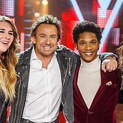 NLD/Hilversum/20160109 - 4de live uitzending The Voice of Holland 2015, Melissa Jansen, coach Marco Borsato,, Jared Grant, Maan de Steenwinkel