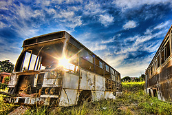 Ferro velho de ônibus e outros veículos. FOTO: Jefferson Bernardes/Preview.com
