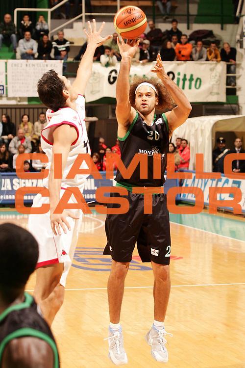 DESCRIZIONE : Siena Uleb Cup 2006-07 Montepaschi Siena Hapoel Migdal Jerusalem <br /> GIOCATORE : Stonerook <br /> SQUADRA : Montepaschi Siena <br /> EVENTO : Uleb 2006-2007 <br /> GARA : Montepaschi Siena Hapoel Migdal Jerusalem <br /> DATA : 12/12/2006 <br /> CATEGORIA : Tiro <br /> SPORT : Pallacanestro <br /> AUTORE : Agenzia Ciamillo-Castoria/P.Lazzeroni <br /> Galleria : Uleb Cup 2006-2007 <br /> Fotonotizia : Siena Uleb Cup 2006-2007 Montepaschi Siena Hapoel Migdal Jerusalem <br /> Predefinita :