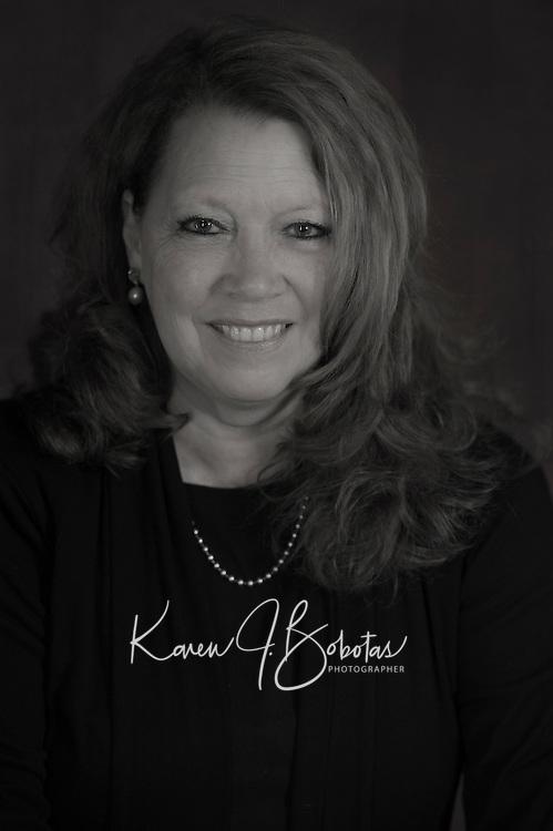 Susan Cummins-Harris headshot.  ©2016 Karen Bobotas Photographer