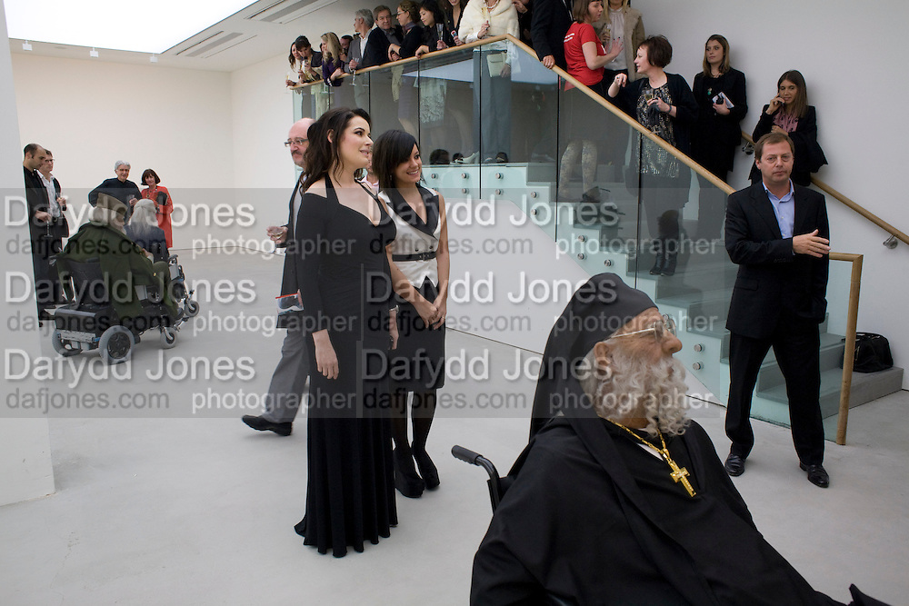 NIGELLA LAWSON; LILY ALLEN; MATTHEW FREUD, The Revolution Continues: New Art From China. The opening of the New Saatchi Gallery. King's Rd.  London. 7 October 2008. *** Local Caption *** -DO NOT ARCHIVE-© Copyright Photograph by Dafydd Jones. 248 Clapham Rd. London SW9 0PZ. Tel 0207 820 0771. www.dafjones.com.