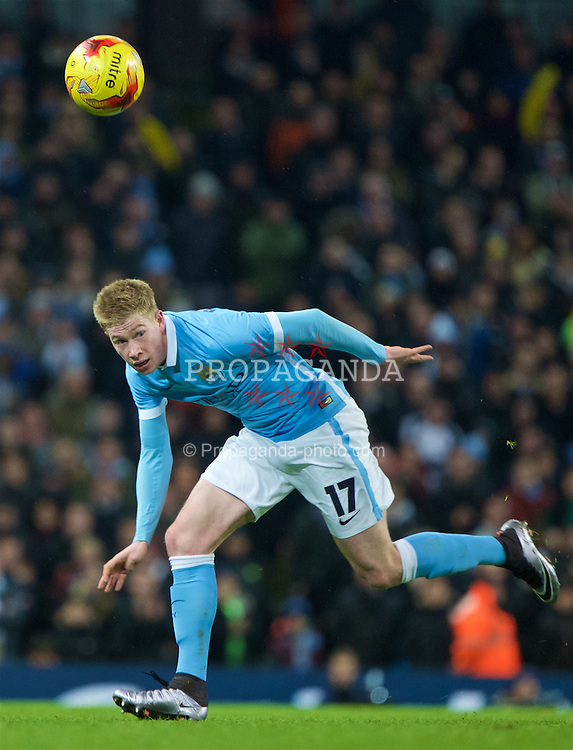 MANCHESTER, ENGLAND - Wednesday, January 27, 2016: Manchester City's Kevin De Bruyne in action against Everton during the Football League Cup Semi-Final 2nd Leg match at the City of Manchester Stadium. (Pic by David Rawcliffe/Propaganda)