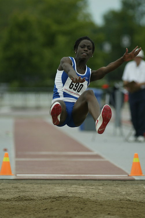 (London, Ontario -- 20090613)  Jodian Daley of Sarnia Athletics Southwest competes in the long jump at the 2009 Athletics Ontario Junior, Combined Events, Relay Championships and National Qualifier at TD Waterhouse Stadium on the campus of the University of Western Ontario, June 13, 2009.  Miles Ryan Rowat / Mundo Sport Images