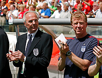 Photo: Glyn Thomas.<br />England v Paraguay. Group B, FIFA World Cup 2006. 10/06/2006.<br /> England's coach Sven Goran Eriksson and assistant coach Steve McClaren (R) applaud.