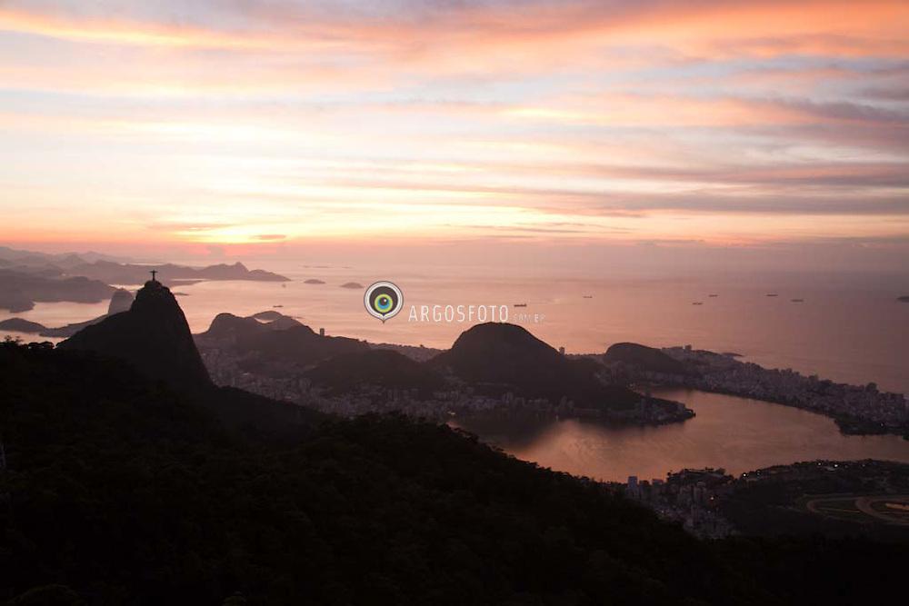 Vista do Corcovado, Cristo Redentor , Lagoa Rodrigo de Freitas, zona sul do Rio de Janeiro.  / View of  Corcovado Hill , Christ The Redeemer , Rodrigo de Freitas Lagoon, south of RIo de Janeiro.