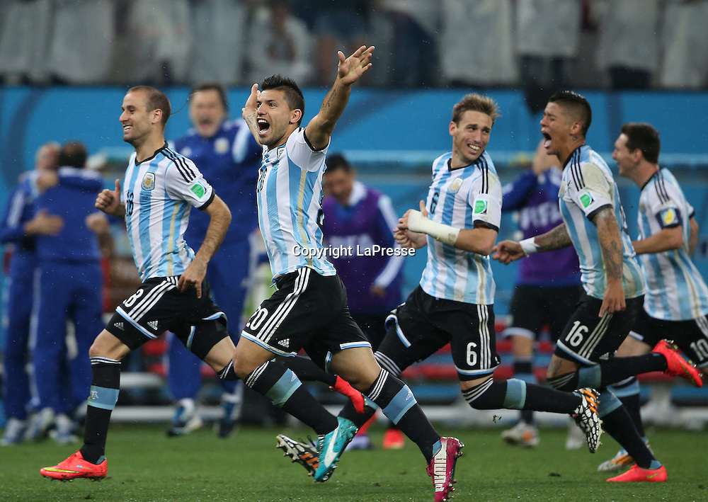 Foto Spada - LaPresse<br /> 09 07 2014 Arena Corinthians , San Paolo (Brasile)<br /> sport calcio<br /> Mondiali di Calcio 2014 Olanda vs Argentina <br /> nella foto: esultanza argentina<br /> <br /> Photo Spada - LaPresse<br /> 09 07 2014 Arena Corinthians, Sao Paolo (Brazil)<br /> sport soccer<br /> Brazil World Cup 2014, Netherlands vs Argentina  <br /> in the picture: celebrate to argentina