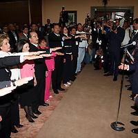METEPEC, Mex.- Enrique Peña Nieto, gobernador del estado de México, encabezó la toma de protesta del Consejo Directivo de la Asociación Nacional de Síndicos Procuradores y Síndicos Municipales, donde señaló que el reto de este organismo es buscar que los acuerdos tomados al interior de éste, trasciendan y fortalezcan el marco de actuación que se encuentra bajo su responsabilidad. Agencia MVT / José Hernández. (DIGITAL)<br /> <br /> NO ARCHIVAR - NO ARCHIVE