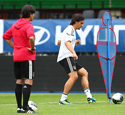 02.06.2011, Ernst Happel Stadion, Wien, AUT, UEFA EURO 2012, Qualifikation, Abschlusstraining Deutschland (GER), im Bild Bundestrainer Joachim Löw, (GER), Mats Hummels, (GER)// during the final training from Germany for the UEFA Euro 2012 Qualifier Game, Austria vs Germany, at Ernst Happel Stadium, Vienna, 2010-06-02, EXPA Pictures © 2011, PhotoCredit: EXPA/ T. Haumer
