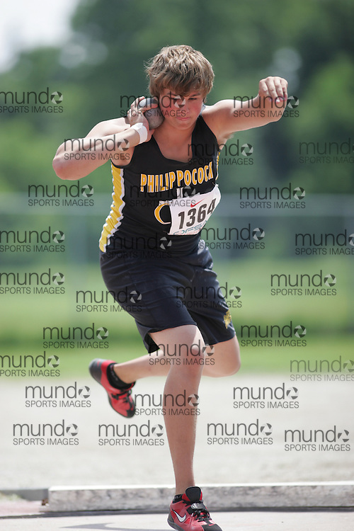 (London, Ontario}---04 June 2010) Daniel Polinski of Philip Pocock - Mississauga competing in the shot put at the 2010 OFSAA Ontario High School Track and Field Championships. Photograph copyright Sean Burges / Mundo Sport Images, 2010.