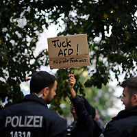 24 Bundestagswahl Demonstration vor die AfD Wahlparty