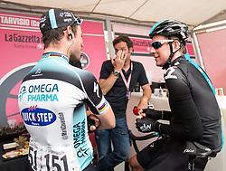 15.05.2013, Tarvis, ITA, Giro d Italia 2013, 11. Etappe, Tarvis nach Vajont, im Bild Mark Cavendish (GBR, Team Omega Pharma-Quick Step) und Bradley Wiggins (GBR, Team Sky) im Giro Cafe // Mark Cavendish (GBR, Team Omega Pharma-Quick Step) and Bradley Wiggins (GBR, Team Sky) in the Giro Cafe during Giro d' Italia 2013 at Stage 11 from Tarvis to Vajont at Tarvis, Italy on 2013/05/15. EXPA Pictures © 2013, PhotoCredit: EXPA/ J. Groder