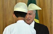 25.04.2018 - BRASÍLIA, DF -  O presidente da República, Michel Temer, recebe o embaixador Myanmar, senhor Myo Tint, na quarta-feira (25), em cerimônia de apresentação de cartas credenciais no Palácio do Planalto, em Brasilia ( Foto: RENATO COSTA / FRAMEPHOTO )