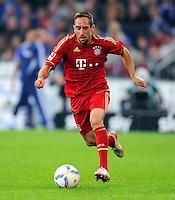 """18. September 2011: Gelsenkirchen, Veltins-Arena """"Auf Schalke"""": Fussball 1. Bundesliga, 6. Spieltag: FC Schalke 04 - FC Bayern Muenchen: Muenchens Franck Ribery am Ball."""