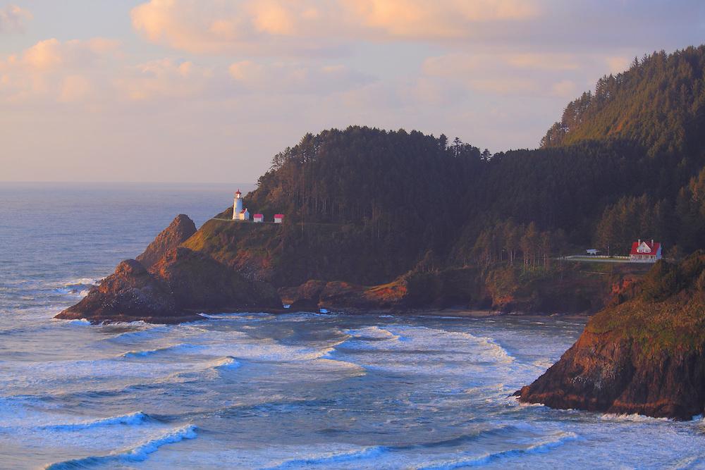 Haceta Head Lighthouse And Inn - Oregon Coast