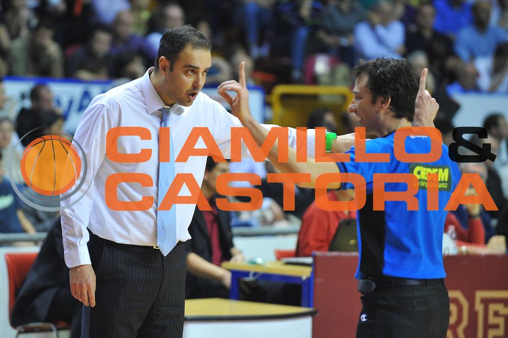 DESCRIZIONE : Venezia Lega A2 2009-10 Umana Reyer Venezia Carmatic Pistoia<br /> GIOCATORE : Paolo Moretti Coach<br /> SQUADRA : Umana Reyer Venezia Carmatic Pistoia<br /> EVENTO : Campionato Lega A2 2009-2010<br /> GARA : Umana Reyer Venezia Carmatic Pistoia<br /> DATA : 28/03/2010<br /> CATEGORIA : Ritratto Delusione<br /> SPORT : Pallacanestro <br /> AUTORE : Agenzia Ciamillo-Castoria/M.Gregolin<br /> Galleria : Lega Basket A2 2009-2010 <br /> Fotonotizia : Venezia Campionato Italiano Lega A2 2009-2010 Umana Reyer Venezia Carmatic Pistoia<br /> Predefinita :