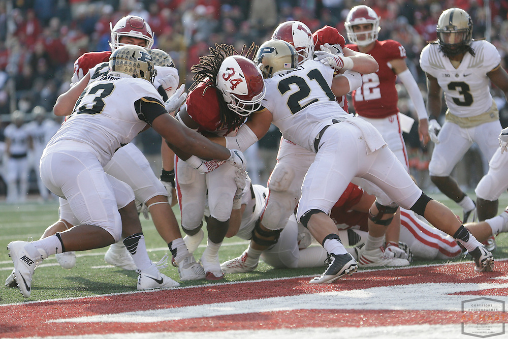 Indiana running back Devine Redding  in action as Purdue played Indiana in an NCCA college football game in Bloomington, Ind., Saturday, Nov. 26, 2016. (AJ Mast)