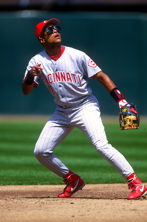 SAN FRANCISCO:  Barry Larkin of the Cincinnati Reds fields during an MLB game at Candlestick Park in San Francisco, California.  Larkin played for the Reds from 1986-2004.   (Photo by Ron Vesely)   Subject: Barry Larkin.