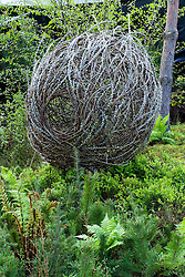 Woven willow sculpture in the Boreal Forest Garden. Design: Landlab - Chelsea 2005
