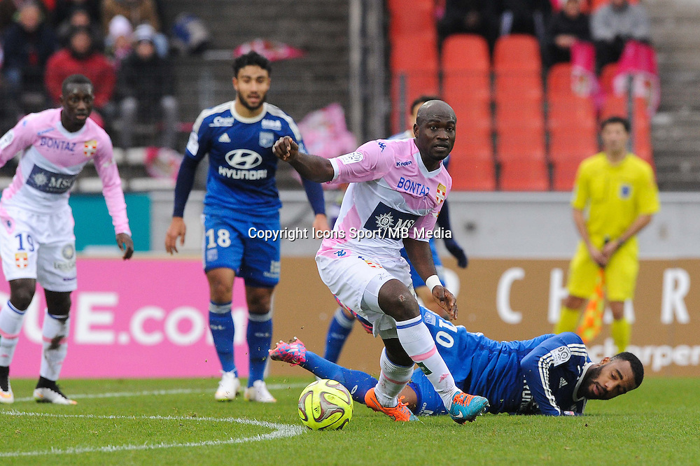 Djakaridja KONE / Alexandre LACAZETTE - 07.12.2014 - Evian Thonon / Lyon - 17eme journee de Ligue 1 -<br />