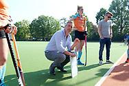 GRONINGEN - Hoofdklasse dames.<br /> Groningen v HDM<br /> Foto: Marc Materek Head Coach in de break.<br /> WORLDSPORTPICS COPYRIGHT FRANK UIJLENBROEK