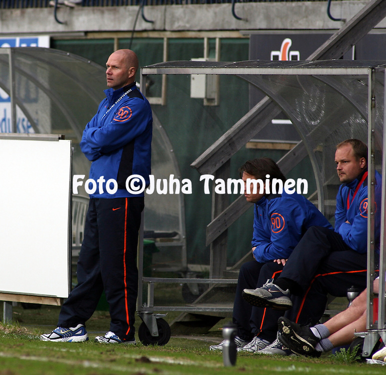 25.05.2006, Veritas Stadion, Turku, Finland..Veikkausliiga 2006 - Finnish League 2006.FC TPS Turku - Myllykosken Pallo-47.Valmentaja Ilkka M?kel? - MyPa.©Juha Tamminen.....ARK:k