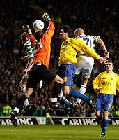 Fotball<br /> Photo. Jed Wee, Digitalsport<br /> Glasgow Celtic v Villarreal, UEFA Cup Quarterfinal, Celtic Park, Glasgow. 08/04/2004.<br /> Celtic's Henrik Larsson (R) heads his team back on equal terms.<br /> <br /> NORWAY ONLY