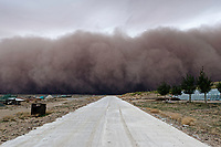 Sand storm, central Inner Mongolia, China. 沙尘暴,内蒙古中部,中国。