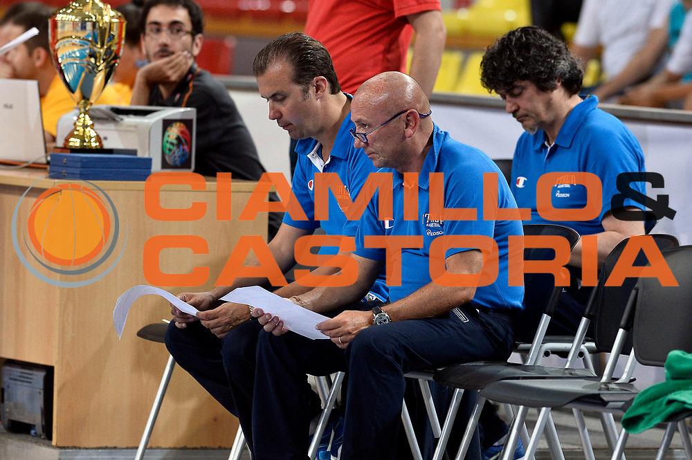 DESCRIZIONE : Skopje Nazionale Italia Uomini Torneo Internazionale di Skopje Italia Polonia Italy Poland<br /> GIOCATORE : Simone Pianigiani Luca Dalmonte<br /> CATEGORIA : Pregame<br /> SQUADRA : Italia Italy<br /> EVENTO : Trofeo Internazionale di Skopje<br /> GARA : Italia Polonia Italy Poland<br /> DATA : 27/07/2014<br /> SPORT : Pallacanestro<br /> AUTORE : Agenzia Ciamillo-Castoria/GiulioCiamillo<br /> Galleria : FIP Nazionali 2014<br /> Fotonotizia : Skopje Nazionale Italia Uomini Torneo Internazionale di Skopje Italia Polonia Italy Poland
