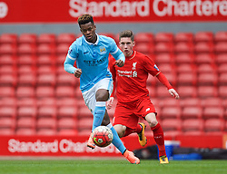 LIVERPOOL, ENGLAND - Sunday, February 7, 2016: Manchester City's Ashley Smith-Brown in action against Liverpool during the Under-21 FA Premier League match at Anfield. (Pic by David Rawcliffe/Propaganda)