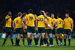 The Australia team celebrate a late penalty - Mandatory byline: Patrick Khachfe/JMP - 07966 386802 - 03/10/2015 - RUGBY UNION - Twickenham Stadium - London, England - England v Australia - Rugby World Cup 2015 Pool A.