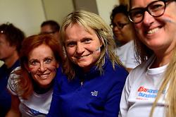05-07-2014 NED: Iceland Diabetes Challenge dag 1, Landmannalaugar <br /> Vandaag ging de challenge van start. Met een bus gingen we van Vogar naar Landmannalaugar en zagen we de eerste tekenen van het prachtige landschap van IJsland / Voetbal kijken met Annet, Petra, Marion