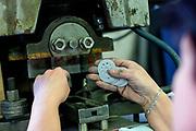 Herstellung von Merkur Produkten in der Merkur Fabrik in Police nad Metuji.