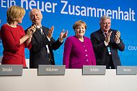 DEU, Deutschland, Germany, Berlin,26.02.2018: Standing Ovations für Bundeskanzlerin Dr. Angela Merkel (CDU) nach ihrer Rede auf dem Parteitag der CDU in der Station. Die Delegierten stimmten mit großer Mehrheit für die Neuauflage der Großen Koalition (GroKo).