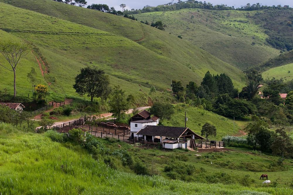 Santos Dumont_MG, Brasil...Paisagem rural em Santos Drumont...The rural landscape in Santos Drumont...Foto: LEO DRUMOND / NITRO