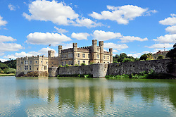 © Licensed to London News Pictures. 31/07/2018<br /> LEEDS, UK.<br /> Blue sky and sunny weather at Leeds castle in Kent.<br /> Photo credit: Grant Falvey/LNP