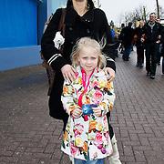 NLD/Harderwijk/20100320 - Opening nieuwe Dolfinarium seizoen met nieuwe show, Mary-Lou Steenis en dochter Eva-Louis