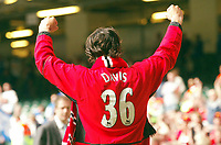 Photo: SBI/Digitalsport<br /> NORWAY ONLY<br /> <br /> Manchester United v Millwall. FA Cup Final. 22/05/2004.<br /> Ruud van Nistelrooy pays tribute to Jimmy Davis, the Man Utd player who died last year