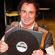 NLD/Hilversum/20101124 - Uitreiking boek 50 jaar Edison, de geschiedenis van de Muziekprijs, Marco Borsato