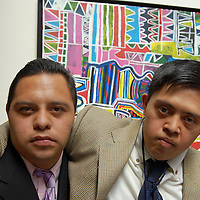 Toluca, Mex.- Adolescentes con sindrome de down e integrantes de la Escuela Mexicana de Arte Down de la Fundación: Langdon Down, durante la inauguración de la exposición de pintura, grabado y litografía en el Museo Arte Moderno de Toluca. Agencia MVT / Rummenige Velasco. (DIGITAL)<br /> <br /> <br /> <br /> <br /> <br /> <br /> <br /> NO ARCHIVAR - NO ARCHIVE