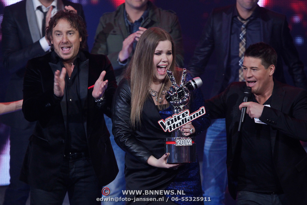 NLD/Hilversum/20120120 - Finale the Voice of Holland 2012, Iris Kroes winnares