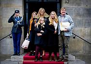 AMSTERDAM - Koning Willem-Alexander, Koningin Maxima, Prinses Amalia, Prinses Alexia en Prinses Ariane arriveren bij het Koninklijk Paleis op de Dam voor het verjaardagsontvangst van prinses Beatrix. De prinses viert haar tachtigste verjaardag in besloten kring. ANP ROYAL IMAGES PATRICK VAN KATWIJK