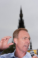Jim Murphy speech in Edinburgh with Scott monument in the background.<br /> MP to resume referendum campaign tour. Jim Murphy to make the case for the United Kingdom during his 100 Streets in 100 Days project<br /> Pako Mera/Universal News And Sport (Europe) 02/09/2014
