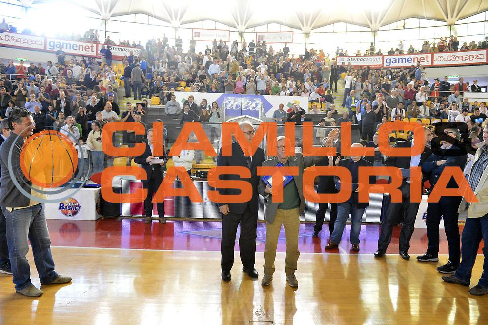 DESCRIZIONE : Roma Lega A 2012-2013 Acea Roma Enel Brindisi<br /> GIOCATORE : Francesco Martini Valerio Bianchini<br /> CATEGORIA : ritratto premiazione Banco Roma 1983<br /> SQUADRA : Acea Virtus Roma<br /> EVENTO : Campionato Lega A 2012-2013 <br /> GARA : Acea Roma Enel Brindisi<br /> DATA : 21/04/2013<br /> SPORT : Pallacanestro <br /> AUTORE : Agenzia Ciamillo-Castoria/GiulioCiamillo<br /> Galleria : Lega Basket A 2012-2013  <br /> Fotonotizia : Roma Lega A 2012-2013 Acea Roma Enel Brindisi<br /> Predefinita :