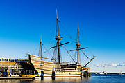 Mayflower II is a replica of the 17th-century ship Mayflower, celebrated for transporting the Pilgrims to the New World